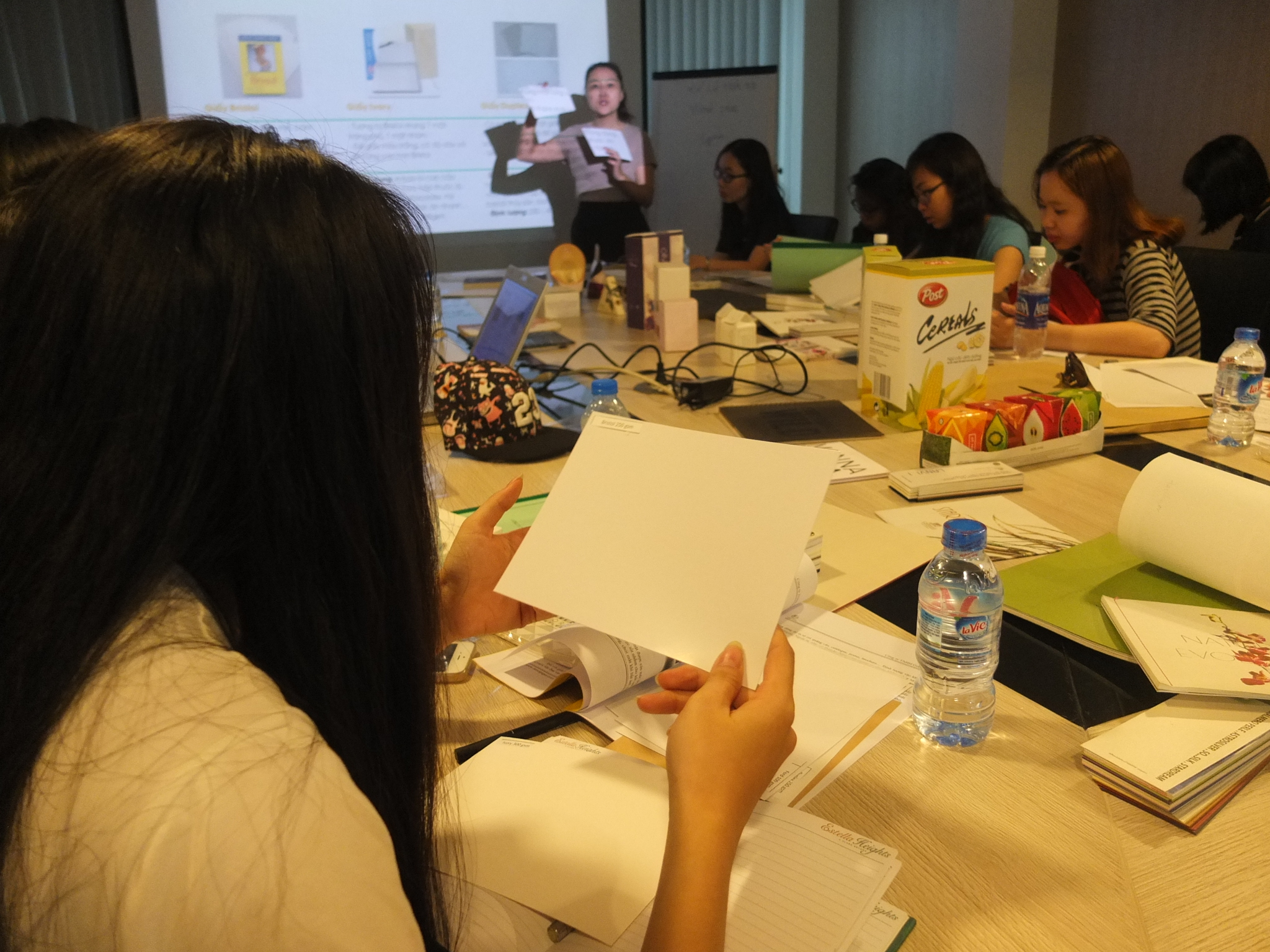 Giấy Lan Vi | Paper Talk tháng 3Giấy Lan Vi | Paper Talk tháng 3