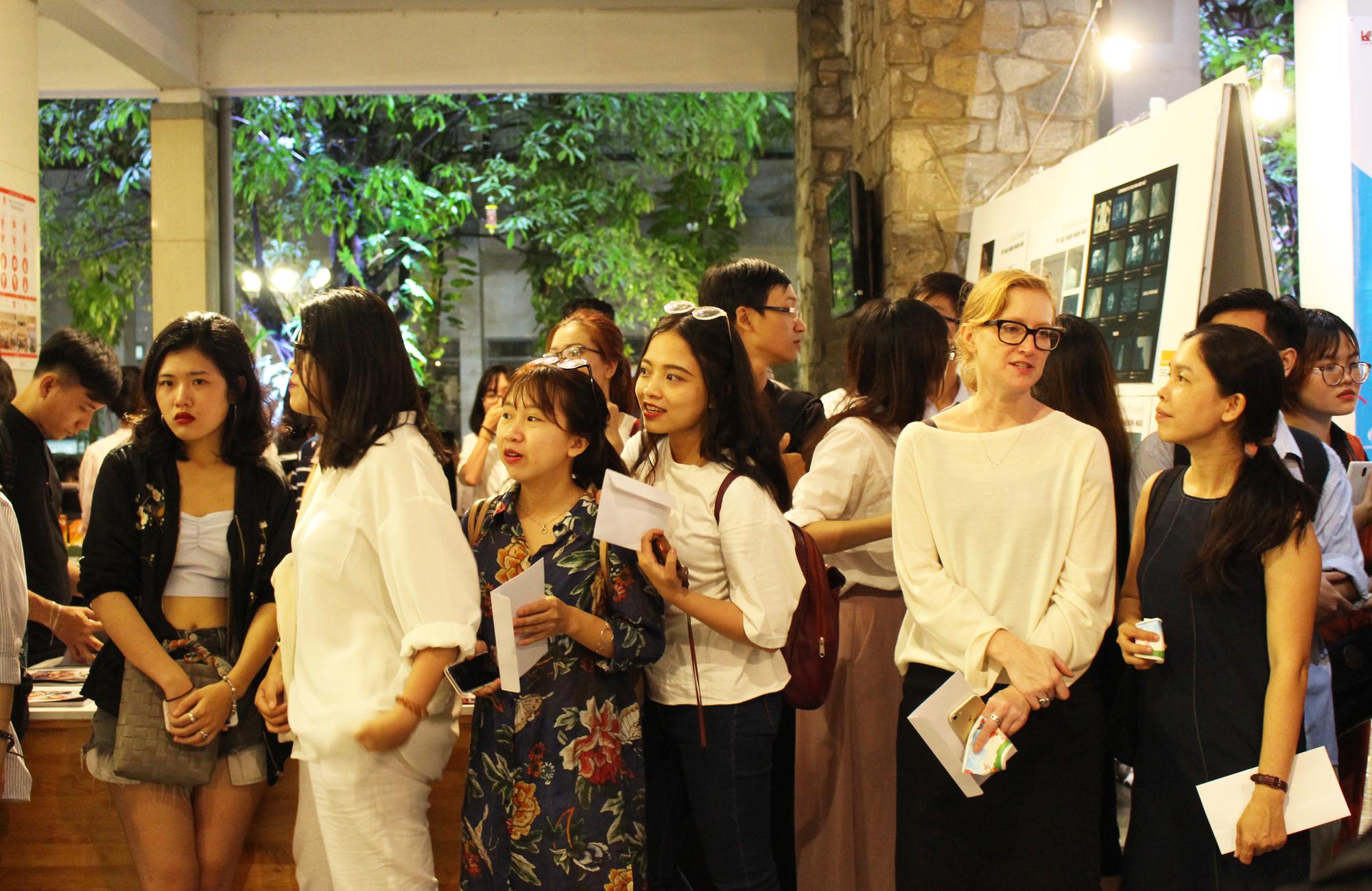 Giấy Lan Vi | Tưng bừng khai mạc Triển lãm M POINT 2017